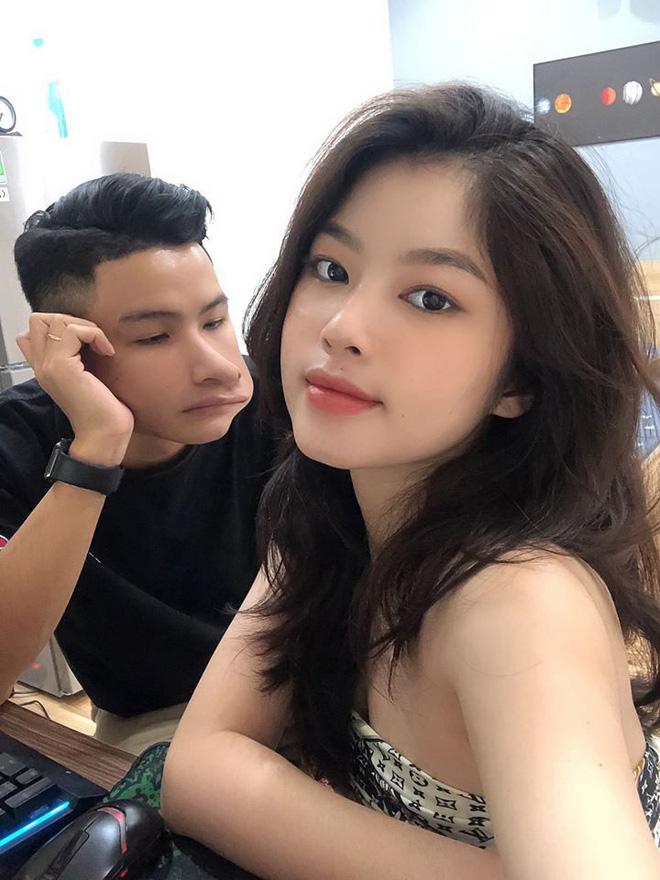 Bắt chước cặp đôi Hàn Quốc 'sống ảo' bất chấp, couple trai xinh gái đẹp vẫn được khen vì quá dễ thương - Ảnh 2