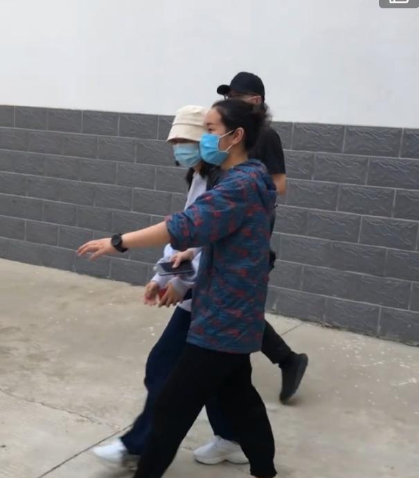 'Thần đồng diễn xuất' Trương Tử Phong bị tố có chút tiếng đã mắc bệnh ngôi sao - Ảnh 1