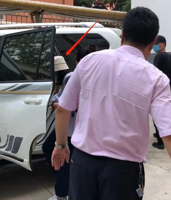 'Thần đồng diễn xuất' Trương Tử Phong bị tố có chút tiếng đã mắc bệnh ngôi sao - Ảnh 2