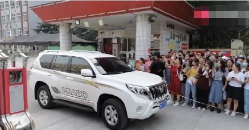 'Thần đồng diễn xuất' Trương Tử Phong bị tố có chút tiếng đã mắc bệnh ngôi sao - Ảnh 4