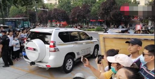 'Thần đồng diễn xuất' Trương Tử Phong bị tố có chút tiếng đã mắc bệnh ngôi sao - Ảnh 5
