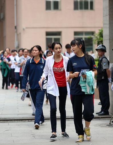 'Thần đồng diễn xuất' Trương Tử Phong bị tố có chút tiếng đã mắc bệnh ngôi sao - Ảnh 7