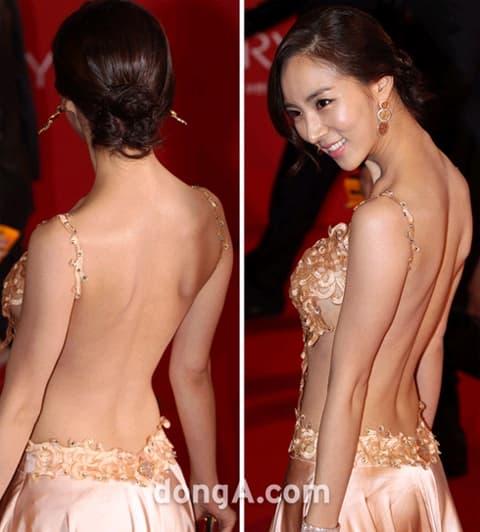 Những màn hở bạo tại lễ trao giải đi vào lịch sử showbiz Hàn - Ảnh 8
