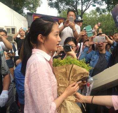 'Thần đồng diễn xuất' Trương Tử Phong bị tố có chút tiếng đã mắc bệnh ngôi sao - Ảnh 9