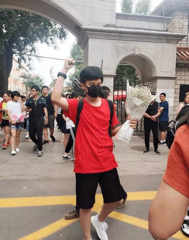 'Thần đồng diễn xuất' Trương Tử Phong bị tố có chút tiếng đã mắc bệnh ngôi sao - Ảnh 12