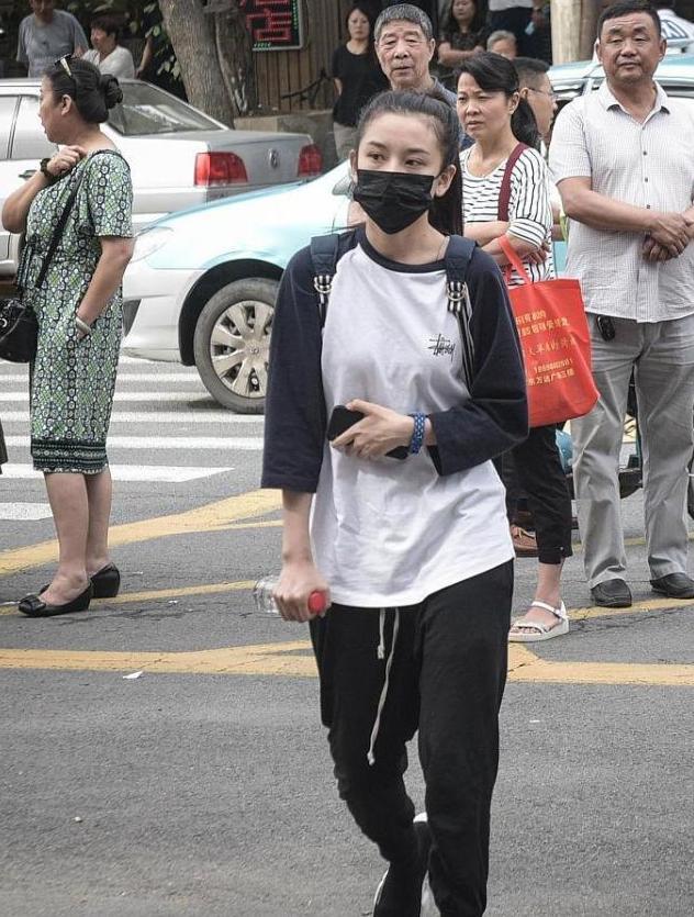 'Thần đồng diễn xuất' Trương Tử Phong bị tố có chút tiếng đã mắc bệnh ngôi sao - Ảnh 13