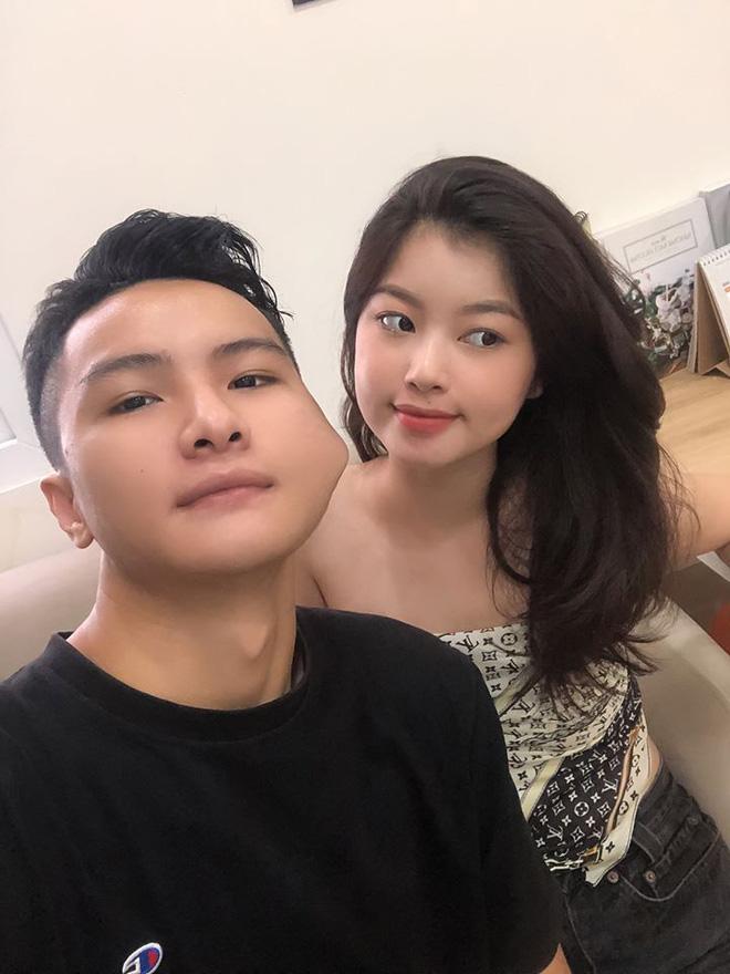 Bắt chước cặp đôi Hàn Quốc 'sống ảo' bất chấp, couple trai xinh gái đẹp vẫn được khen vì quá dễ thương - Ảnh 6