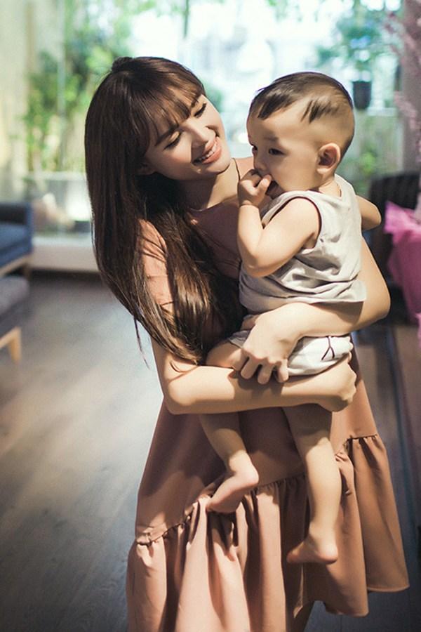 Bỏ showbiz sinh liền 2 con với Lê Hoàng, hotgirl Đà Nẵng giờ đẹp nõn nà, ở nhà 40 tỷ - Ảnh 7