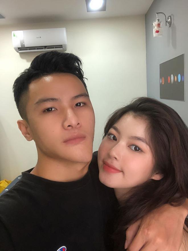 Bắt chước cặp đôi Hàn Quốc 'sống ảo' bất chấp, couple trai xinh gái đẹp vẫn được khen vì quá dễ thương - Ảnh 7