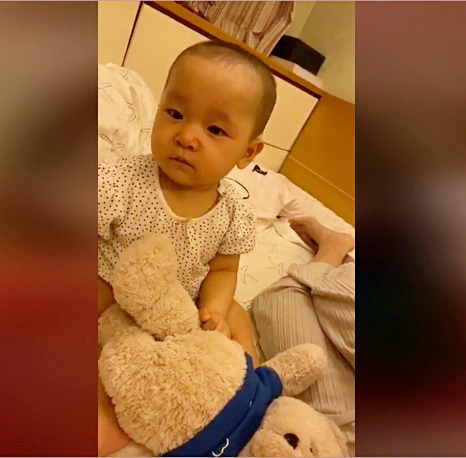 Bé gái 7 tháng tuổi khiến HH Mai Phương Thuý cũng lu mờ, 30 phút hút nghìn người hâm mộ - Ảnh 2