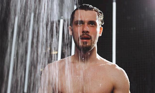 Bật điều hòa số nhỏ nhất, tu nước lạnh sau khi 'yêu'có thể triệt bản lĩnh đàn ông của bạn - Ảnh 1