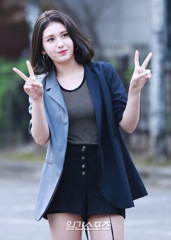 Loạt ngôi sao Hàn lớn chưa từng lộ hẹn hò: Bất ngờ về vị trí số 7 - Ảnh 7