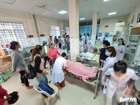 NÓNG: Những hình ảnh đầu tiên của nạn nhân vụ sạt lở ở Trà Leng - Ảnh 14