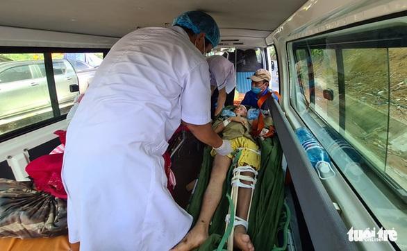 NÓNG: Những hình ảnh đầu tiên của nạn nhân vụ sạt lở ở Trà Leng - Ảnh 3