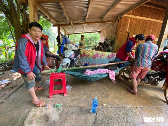 NÓNG: Những hình ảnh đầu tiên của nạn nhân vụ sạt lở ở Trà Leng - Ảnh 8