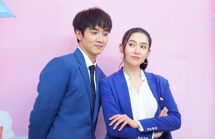 5 cặp đôi 'phi công trẻ lái máy bay bà già' mới trên màn ảnh Thái Lan năm 2020 - 2021 - Ảnh 9