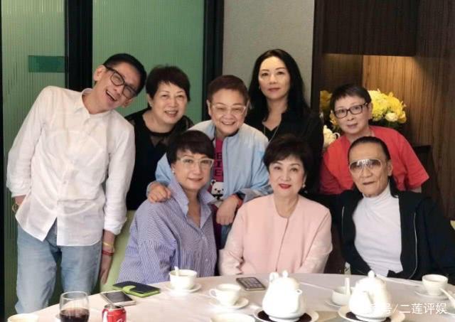 'Đệ nhất mỹ nhân Đài Loan' cuối đời sống cô độc, hối hận vì ly hôn với cha Tạ Đình Phong - Ảnh 9