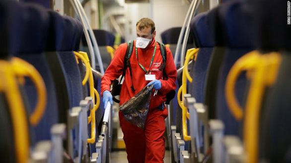 Số ca nhiễm virus corona tại Italy tăng 50% trong 1 ngày, lên 1.694 ca - Ảnh 1