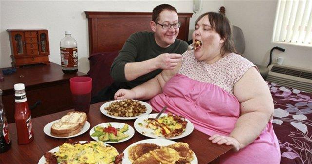 Người phụ nữ nặng 272 kg từng bị chồng sắp cưới ruồng bỏ vì dám giảm cân - Ảnh 1