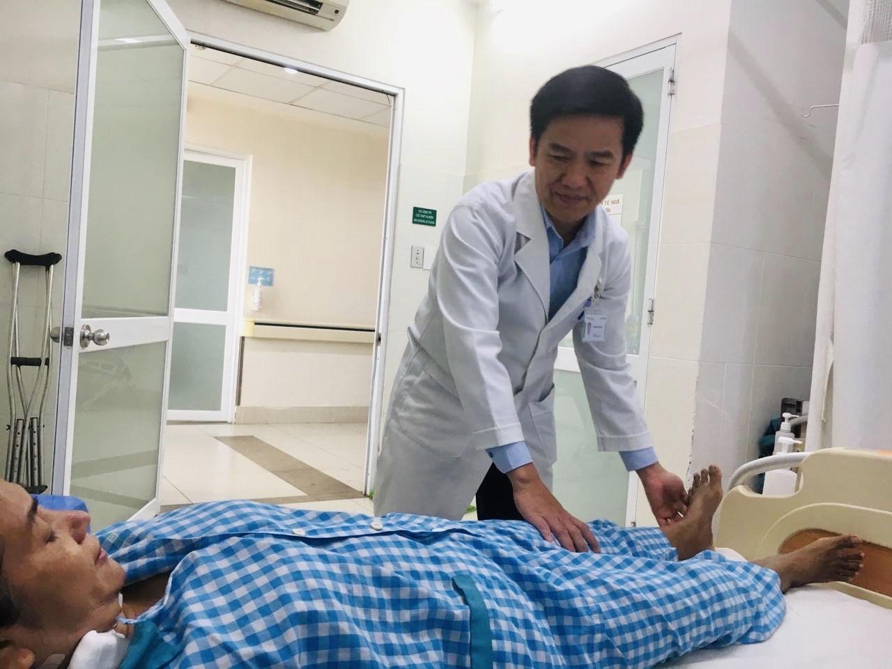 Thay lại khớp háng thành công cho người bệnh sau nhiều lần phẫu thuật nhiễm khớp háng nhân tạo - Ảnh 2
