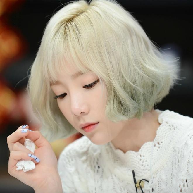Lisa, Taeyeon và nhiều mỹ nhân Hàn chuộng làm tóc xoăn ngắn - Ảnh 8