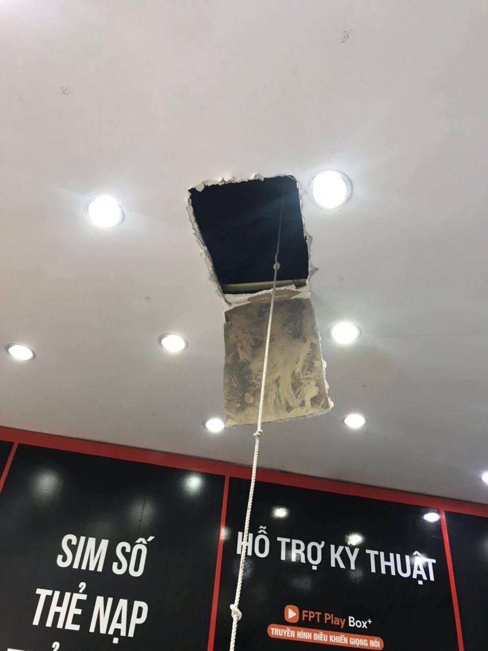 Bắt giữ 'siêu trộm': 1 mình đục tường, đu dây lấy trộm 120 triệu của cửa hàng FPT shop - Ảnh 2