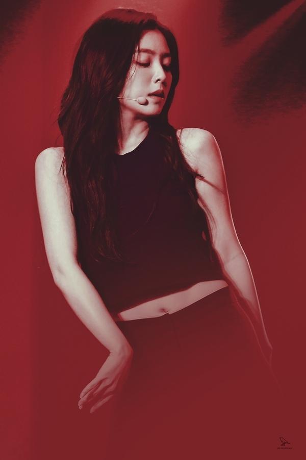 Loạt fansite 'xả' ảnh đẹp long lanh nhân dịp sinh nhật Irene - Ảnh 3
