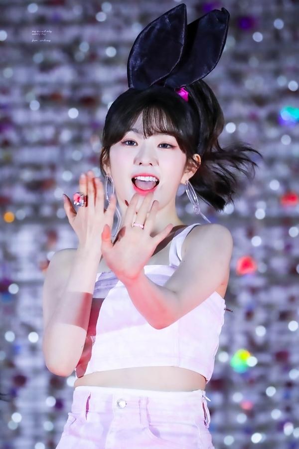 Loạt fansite 'xả' ảnh đẹp long lanh nhân dịp sinh nhật Irene - Ảnh 2
