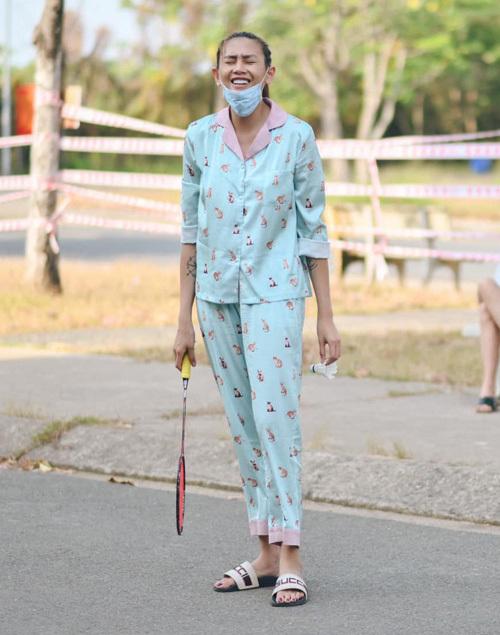 Mỹ nhân Việt khoe đồ mặc nhà: Người sexy, kẻ xuề xòa - Ảnh 4