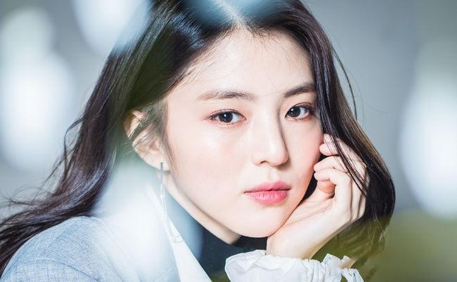 'Tiểu Song Hye Kyo' lộ ảnh ăn chơi, nổi loạn trong quá khứ - Ảnh 1