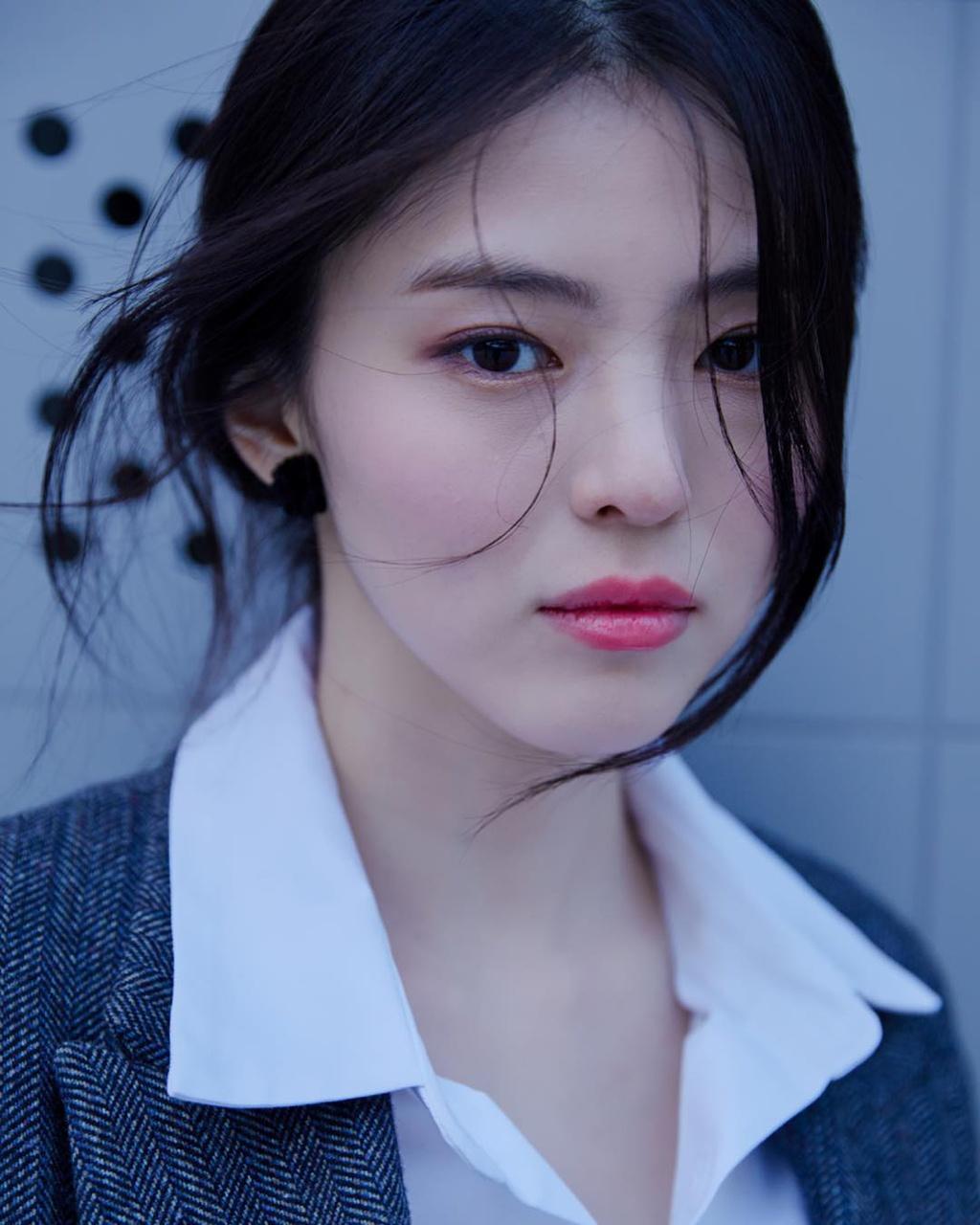 'Tiểu Song Hye Kyo' lộ ảnh ăn chơi, nổi loạn trong quá khứ - Ảnh 7