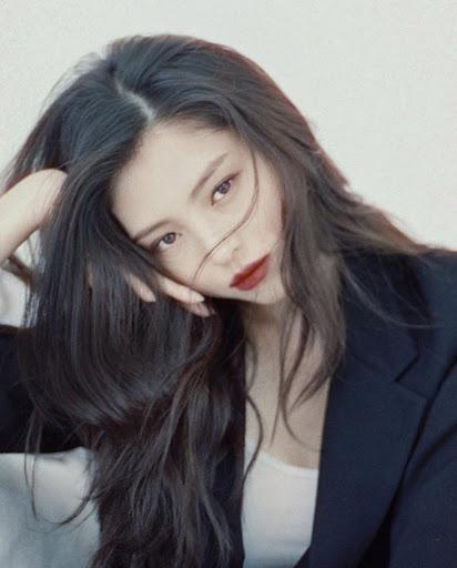 'Tiểu Song Hye Kyo' lộ ảnh ăn chơi, nổi loạn trong quá khứ - Ảnh 9