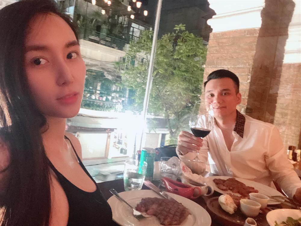 Hé lộ giới tính những cặp song thai chuẩn bị chào đời của showbiz Việt - Ảnh 5