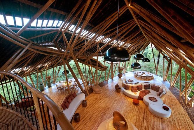 Ngỡ ngàng 'biệt thự tre' 6 tầng tuyệt đẹp giữa rừng - Ảnh 14