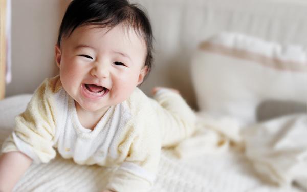 Những biểu hiện chứng tỏ trẻ thông minh, mẹ nên biết để bồi dưỡng bé có thể trở thành thiên tài trong tương lai - Ảnh 1