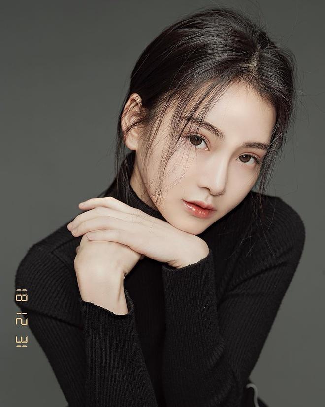 5 bác sỹ 'cân' cả dàn diễn viên, Hoa hậu... mỗi khi xuất hiện lại khiến cộng đồng mạng xuýt xoa 'người đâu mà đẹp thế' - Ảnh 10
