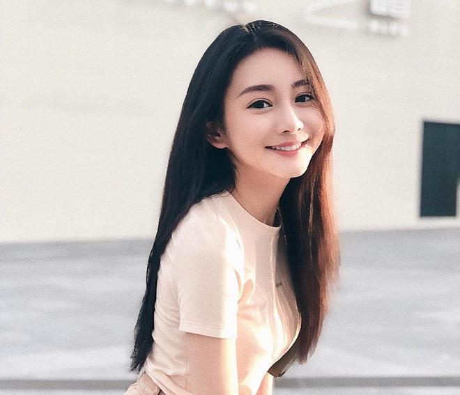 5 bác sỹ 'cân' cả dàn diễn viên, Hoa hậu... mỗi khi xuất hiện lại khiến cộng đồng mạng xuýt xoa 'người đâu mà đẹp thế' - Ảnh 8