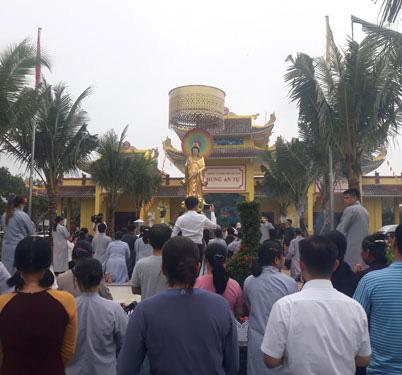 Dân địa phương kể chuyện khám, trị bệnh của ông Võ Hoàng Yên ở chùa - Ảnh 1