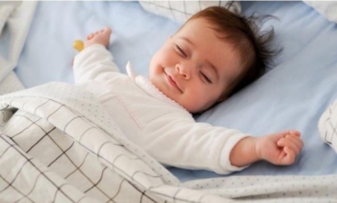 Đánh thức con dậy trước 6 giờ là dại: Sai lầm kinh điển của nhiều cha mẹ khiến bé thấp lùn, còi cọc - Ảnh 2