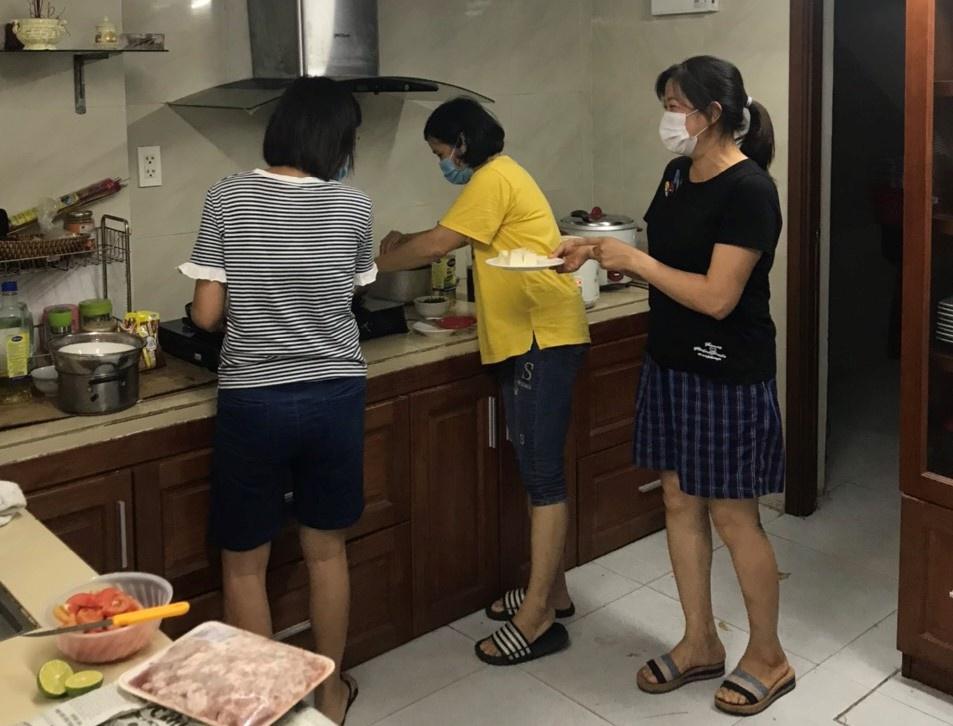 Đại gia đình 22 người mắc kẹt giữa tâm dịch Đà Nẵng - Ảnh 4