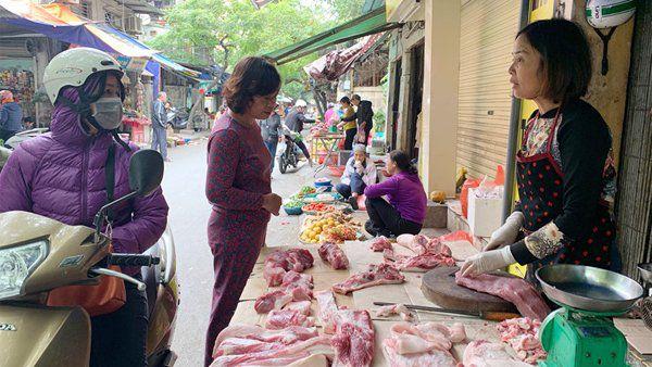 Giá thịt lợn đột ngột bật tăng trở lại, tiểu thương lo ngại giá có thể lập đỉnh mới - Ảnh 2