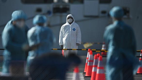 Khách Nhật nhiễm COVID-19 quá cảnh Tân Sơn Nhất, 71 người bị cách ly - Ảnh 1