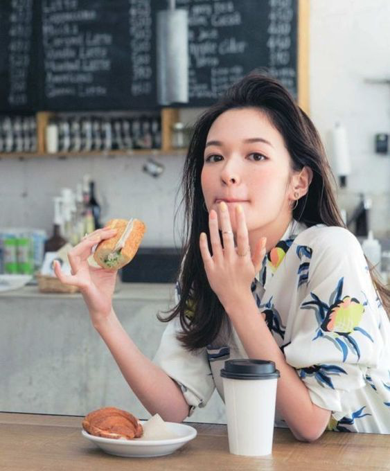 """4 mẹo giúp phụ nữ ăn tối bình thường nhưng cơ thể lại """"đốt mỡ"""" nhanh nhất - Ảnh 3"""