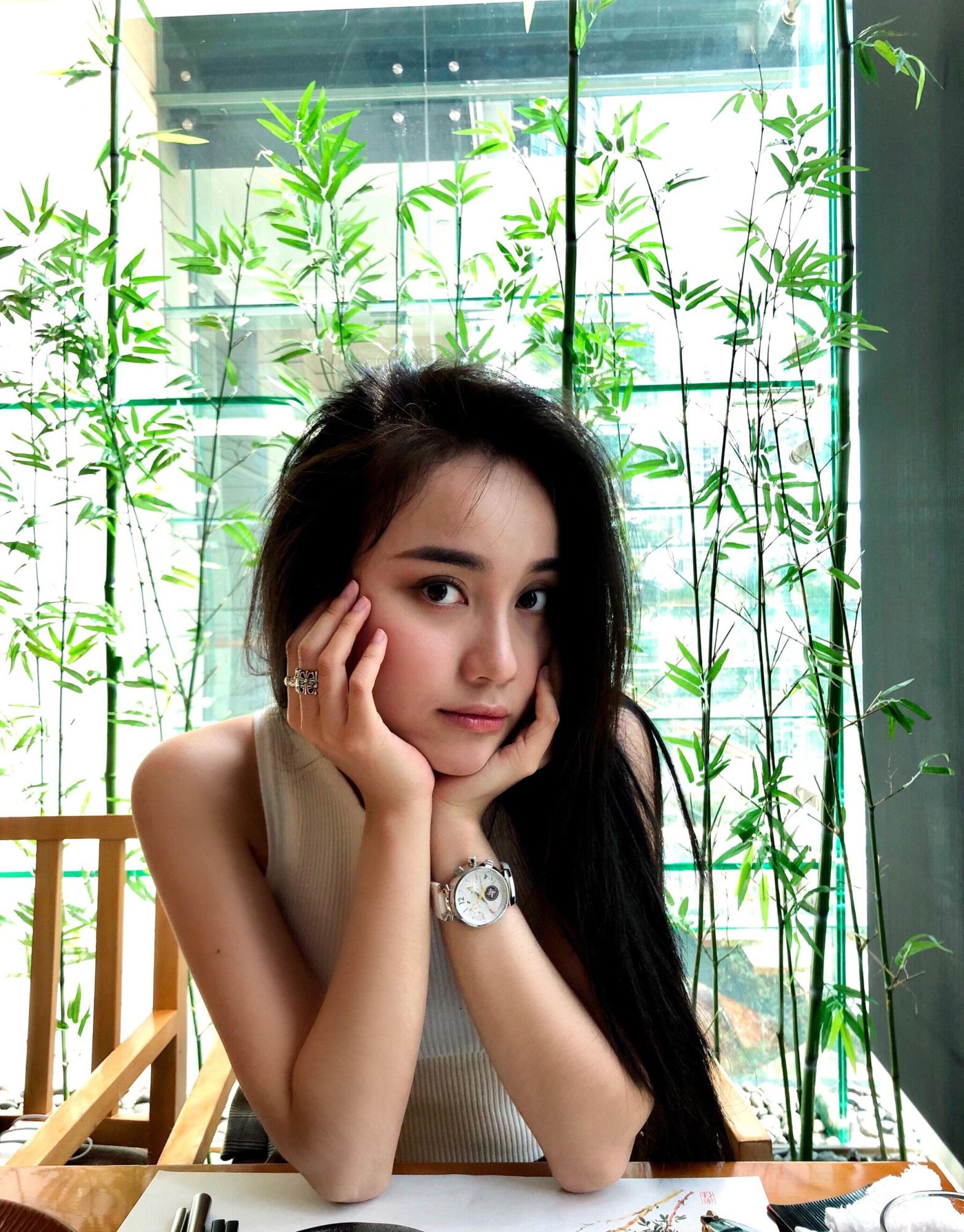 Dàn hot girl Trung Quốc khoe nhan sắc 'băng thanh, ngọc khiết' gây sốt - Ảnh 11