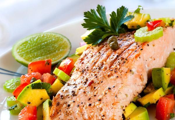 Bí quyết giảm cân bằng thịt, giúp bạn có thân hình thon gọn dễ dàng - Ảnh 1