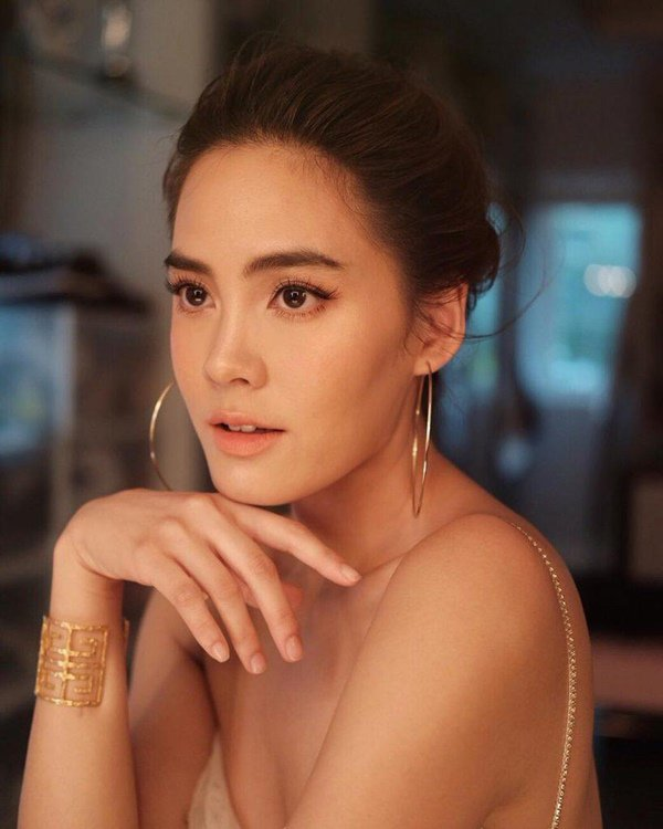 Chị đại Thái Lan đắng cay vì tai tiếng lấy bố của bạn thân, 'giật chồng' người khác - Ảnh 5