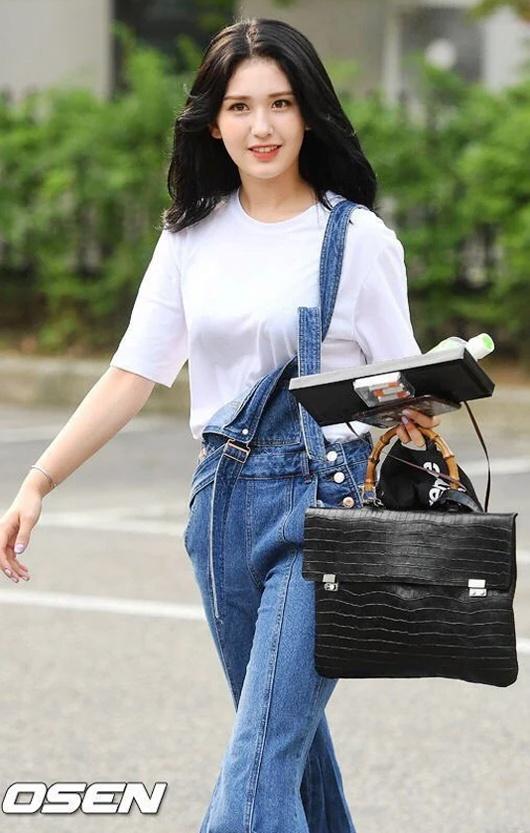 Đây là kiểu quần được Taeyeon, Lisa và nhiều sao Hàn thích mặc - Ảnh 11