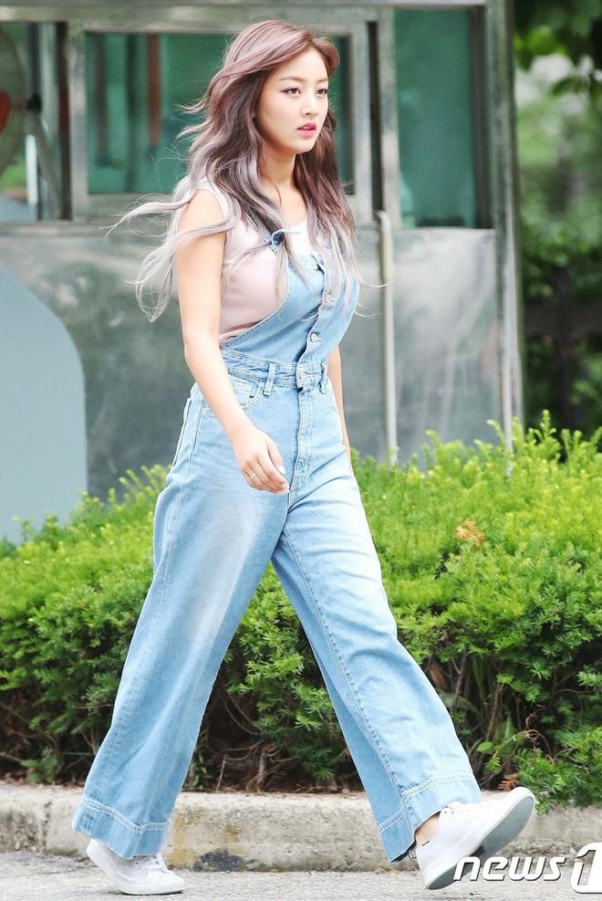 Đây là kiểu quần được Taeyeon, Lisa và nhiều sao Hàn thích mặc - Ảnh 9