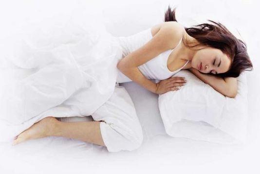 Trước khi đi ngủ chớ làm 5 điều sau kẻo tổn thọ - Ảnh 1