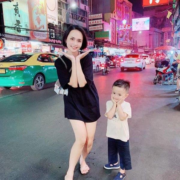 Chị gái công chúa béo Quỳnh Anh ăn mặc sang chảnh, túi Hermes nhiều hơn cả em gái - Ảnh 12